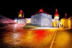 Το παλαιό Castle στο δρόμο στο towe στοκ εικόνες