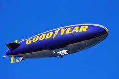 Το πηδαλιουχούμενο εύκαμπτο αερόστατο Goodyear Στοκ Εικόνες