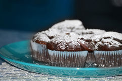 Το πιάτο με τη σοκολάτα μεταχειρίζεται Στοκ εικόνες με δικαίωμα ελεύθερης χρήσης