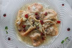 Το πιάτο Casunziei γέμισε τα ζυμαρικά, Cortina Δ ` Ampezzo, δολομίτες, Στοκ Εικόνες