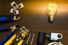 Το πιό ουσιαστικό σύνολο εργαλείων για τους ηλεκτρολόγους επισκευών στοκ εικόνα με δικαίωμα ελεύθερης χρήσης