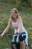 το ποδήλατο χαλαρώνει τη  Στοκ φωτογραφίες με δικαίωμα ελεύθερης χρήσης