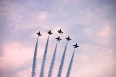 το πολεμικό τζετ F-16 αέρα εμ& Στοκ Εικόνες