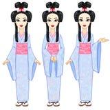 Το πορτρέτο ζωτικότητας το όμορφο ιαπωνικό κορίτσι σε τρία διαφορετικά θέτει Γκέισα, maiko, πριγκήπισσα πλήρης αύξηση ελεύθερη απεικόνιση δικαιώματος