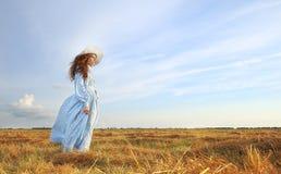Το πορτρέτο ομορφιάς στο ηλιοβασίλεμα στοκ εικόνα με δικαίωμα ελεύθερης χρήσης