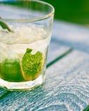 το ποτό αναζωογονεί Στοκ Εικόνες