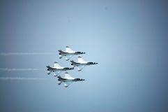 Το πολεμικό αεροπλάνο παρουσιάζει στην Ταϊλάνδη Στοκ φωτογραφία με δικαίωμα ελεύθερης χρήσης