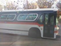 Το πολύ παλαιό λεωφορείο είναι όμορφο στοκ φωτογραφία με δικαίωμα ελεύθερης χρήσης