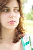 Το πράσινος-eyed κορίτσι κοιτάζει Στοκ Εικόνες