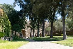 Το προαύλιο του μεσαιωνικού κάστρου Alcoutim στοκ φωτογραφία με δικαίωμα ελεύθερης χρήσης