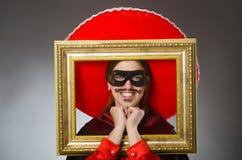 Το πρόσωπο που φορά το καπέλο σομπρέρο στην αστεία έννοια στοκ φωτογραφία με δικαίωμα ελεύθερης χρήσης