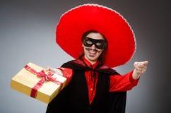 Το πρόσωπο που φορά το καπέλο σομπρέρο στην αστεία έννοια Στοκ φωτογραφίες με δικαίωμα ελεύθερης χρήσης