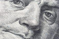 Το πρόσωπο του Benjamin Franklin σε έναν λογαριασμό εκατό-δολαρίων Στοκ Εικόνες