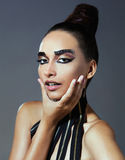 Το πρότυπο μόδας με το αιγυπτιακό ύφος αποτελεί Στοκ φωτογραφίες με δικαίωμα ελεύθερης χρήσης