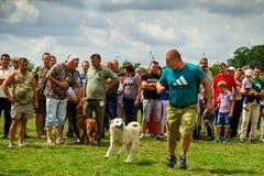 Το πρώτο φεστιβάλ των κυνηγών στο χωριό Perekhrest Στοκ φωτογραφία με δικαίωμα ελεύθερης χρήσης