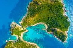 Το Πόρτο Timoni είναι μια καταπληκτική όμορφη διπλή παραλία στην Κέρκυρα, Ελλάδα στοκ φωτογραφία