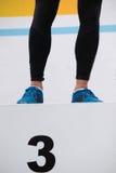 Το πόδι αθλητών ` s είναι στη στάση μεταλλίων  Τρίτη θέση Στοκ εικόνα με δικαίωμα ελεύθερης χρήσης