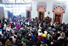 Το πλήθος στο μουσουλμανικό τέμενος Στοκ φωτογραφία με δικαίωμα ελεύθερης χρήσης