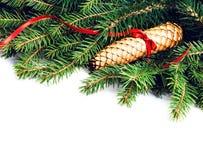Το πλαίσιο Χριστουγέννων με τον κλάδο δέντρων του FIR και τη διακόσμηση Χριστουγέννων είναι Στοκ φωτογραφία με δικαίωμα ελεύθερης χρήσης