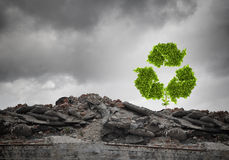 το πλαστικό ανακύκλωσης σχοινί έννοιας μπουκαλιών έδεσε το ύδωρ σπάγγου Στοκ εικόνα με δικαίωμα ελεύθερης χρήσης