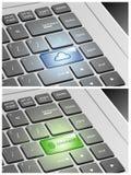 Το πληκτρολόγιο lap-top με το σύννεφο και συνδέει τα κουμπιά Στοκ φωτογραφία με δικαίωμα ελεύθερης χρήσης