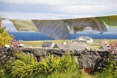 Το πλυντήριο κρεμά για να ξεράνει στα νησιά Aran, Ιρλανδία Στοκ εικόνα με δικαίωμα ελεύθερης χρήσης
