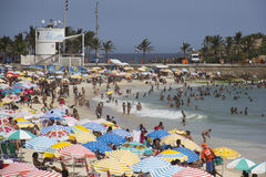 Το Ρίο καρναβάλι έχει συσσωρεύσει τις παραλίες και τις ηλιόλουστες ημέρες Στοκ Εικόνες
