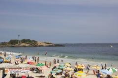 Το Ρίο καρναβάλι έχει συσσωρεύσει τις παραλίες και τις ηλιόλουστες ημέρες Στοκ Εικόνα