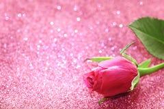 Το ροζ ημέρας βαλεντίνων ` s αυξήθηκε, ακτινοβολεί υπόβαθρο Στοκ Εικόνα