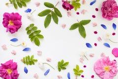 Το ρομαντικό επίπεδο λουλουδιών βάζει με το κενό διάστημα Στοκ Φωτογραφία