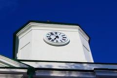 Το ρολόι στον καθεδρικό ναό Στοκ φωτογραφία με δικαίωμα ελεύθερης χρήσης