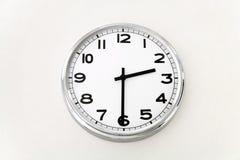 Το ρολόι τοίχων, χρονική μέτρηση, κλείνει επάνω Στοκ εικόνα με δικαίωμα ελεύθερης χρήσης
