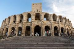 Το ρωμαϊκό αμφιθέατρο στην παλαιά πόλη Arles στην Προβηγκία στο νότο της Γαλλίας Στοκ φωτογραφίες με δικαίωμα ελεύθερης χρήσης