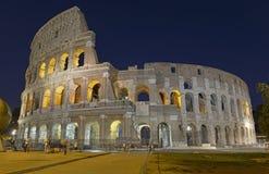 Το ρωμαϊκό Colosseum, μια θέση όπου gladiators πάλεψαν τόσο καλά όσο την ύπαρξη ένας τόπος συναντήσεως για τη δημόσια ψυχαγωγία,  στοκ φωτογραφίες με δικαίωμα ελεύθερης χρήσης