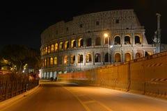 Το ρωμαϊκό Colosseum, μια θέση όπου gladiators πάλεψαν τόσο καλά όσο την ύπαρξη ένας τόπος συναντήσεως για τη δημόσια ψυχαγωγία,  στοκ εικόνα με δικαίωμα ελεύθερης χρήσης