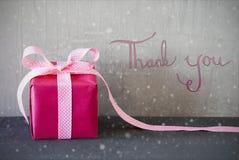 Το ρόδινο παρόν, καλλιγραφία, Snowflakes, σας ευχαριστεί στοκ φωτογραφία με δικαίωμα ελεύθερης χρήσης