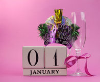 Το ρόδινο θέμα σώζει την ημερομηνία με μια καλή χρονιά, στις 1 Ιανουαρίου Στοκ Εικόνες