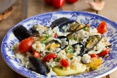 Το ρύζι, οι πατάτες και τα μύδια, παραδοσιακό apulian πιάτο, ιταλική κουζίνα, Μπάρι, κλείνουν επάνω στοκ φωτογραφίες με δικαίωμα ελεύθερης χρήσης