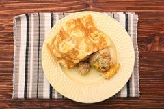 Το ρύζι ύπνου αντέχει με ένα κάλυμμα αυγών Στοκ εικόνες με δικαίωμα ελεύθερης χρήσης