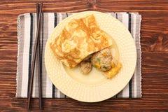Το ρύζι ύπνου αντέχει με ένα κάλυμμα αυγών Στοκ φωτογραφία με δικαίωμα ελεύθερης χρήσης