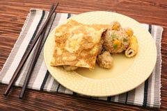 Το ρύζι ύπνου αντέχει με ένα κάλυμμα αυγών Στοκ φωτογραφίες με δικαίωμα ελεύθερης χρήσης