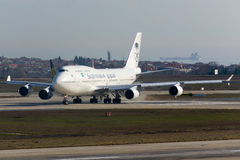 Το σαουδαραβικό Boeing 747 Στοκ εικόνα με δικαίωμα ελεύθερης χρήσης