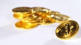 Το σε αργή κίνηση πρότυπο μετάλλων ανήκει στο κρυπτογραφημένο δίκτυο Bitcoin φιλμ μικρού μήκους