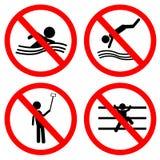 Το σημάδι απαγόρευσης για το κανένα κολυμπά, πηδά, αυτοπροσωπογραφία και αναρριχείται Στοκ εικόνα με δικαίωμα ελεύθερης χρήσης