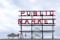 Το σημάδι δημόσιας αγοράς στην αγορά Σιάτλ λούτσων, ενώνει το κράτος της Αμερικής Στοκ Εικόνα