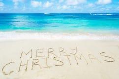 Το σημάδι παντρεύει τα Χριστούγεννα! στην αμμώδη παραλία Στοκ Εικόνα