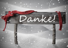 Το σημάδι Danke Χριστουγέννων σημαίνει ότι σας ευχαριστήστε, χιόνι, κορδέλλα, Snowflakes Στοκ φωτογραφίες με δικαίωμα ελεύθερης χρήσης