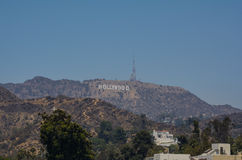 Το σημάδι Hollywood που αγνοεί το Λος Άντζελες Στοκ εικόνες με δικαίωμα ελεύθερης χρήσης
