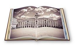 """Το σημαντικότερο τετράγωνο στην αποκαλούμενη """"πόλη πλατεία Unità της Τεργέστης το δ """"Ιταλία """"αυτό σημαίνει """"το τετράγωνο της ενό στοκ φωτογραφία"""