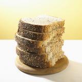 το σιτάρι ψωμιού τεμάχισε το σύνολο Στοκ Φωτογραφίες